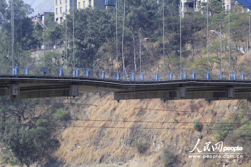 金沙江大桥坍塌_