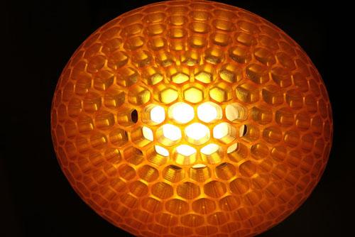 3d打印的灯罩,灵感来源于蜻蜓的复眼