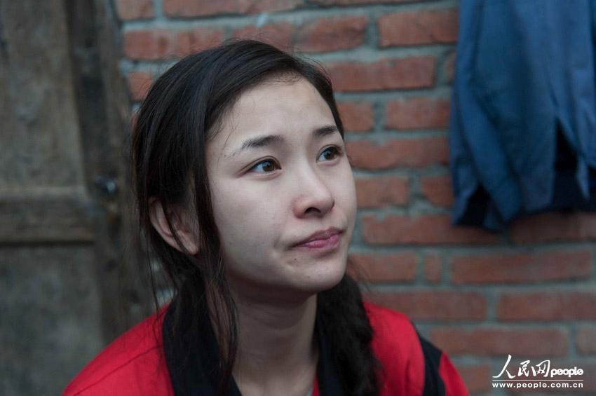 汶川地震断腿美女教师赴雅安灾区支援 大河论