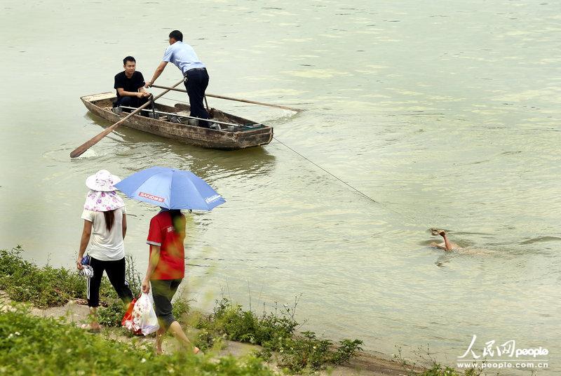 清组图:广西柳州三名小学女生游泳溺水身亡【
