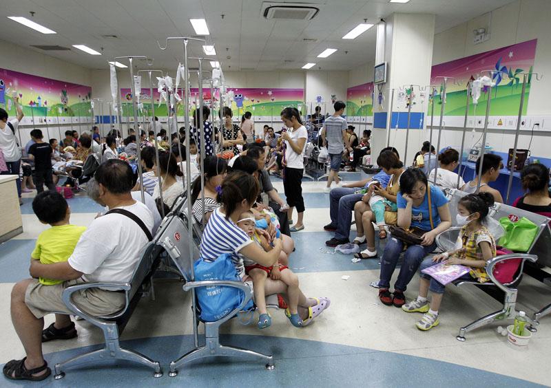 上海 复旦大学/患儿在上海复旦大学附属儿科医院内输液
