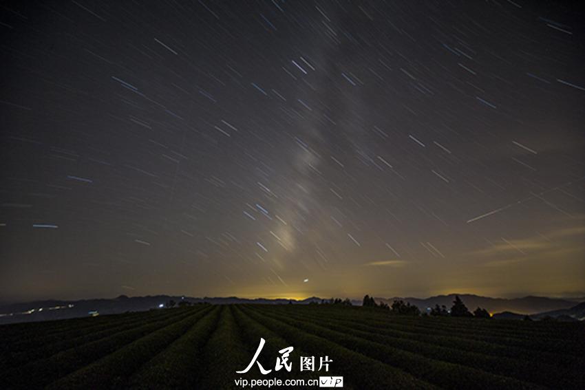 浙江 浪漫/昨夜今晨,英仙座流星雨光临七夕,在这浪漫的时刻,触发了众多...