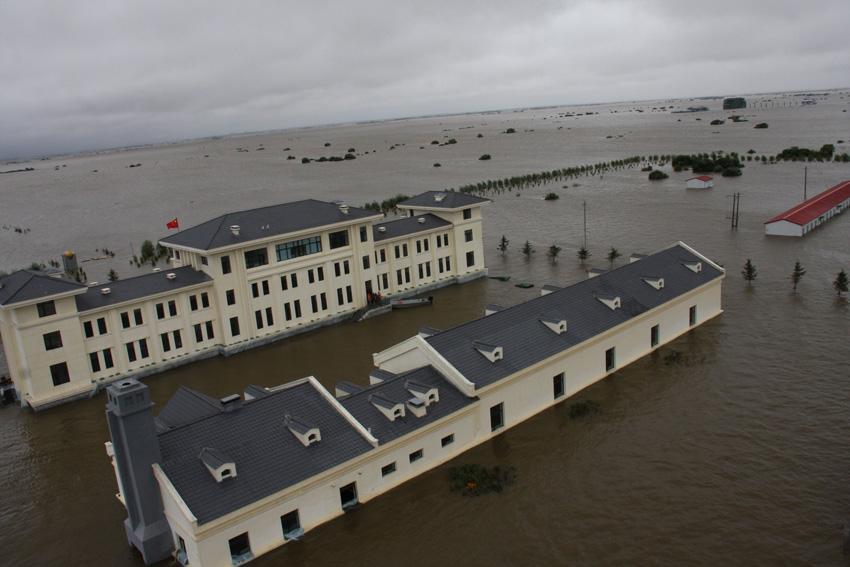 哨兵坚守被洪水淹没的黑瞎子岛