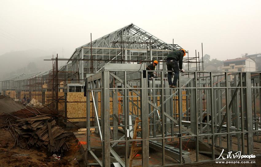 新型节能拼装房现四川农村+盖房子就像搭积木