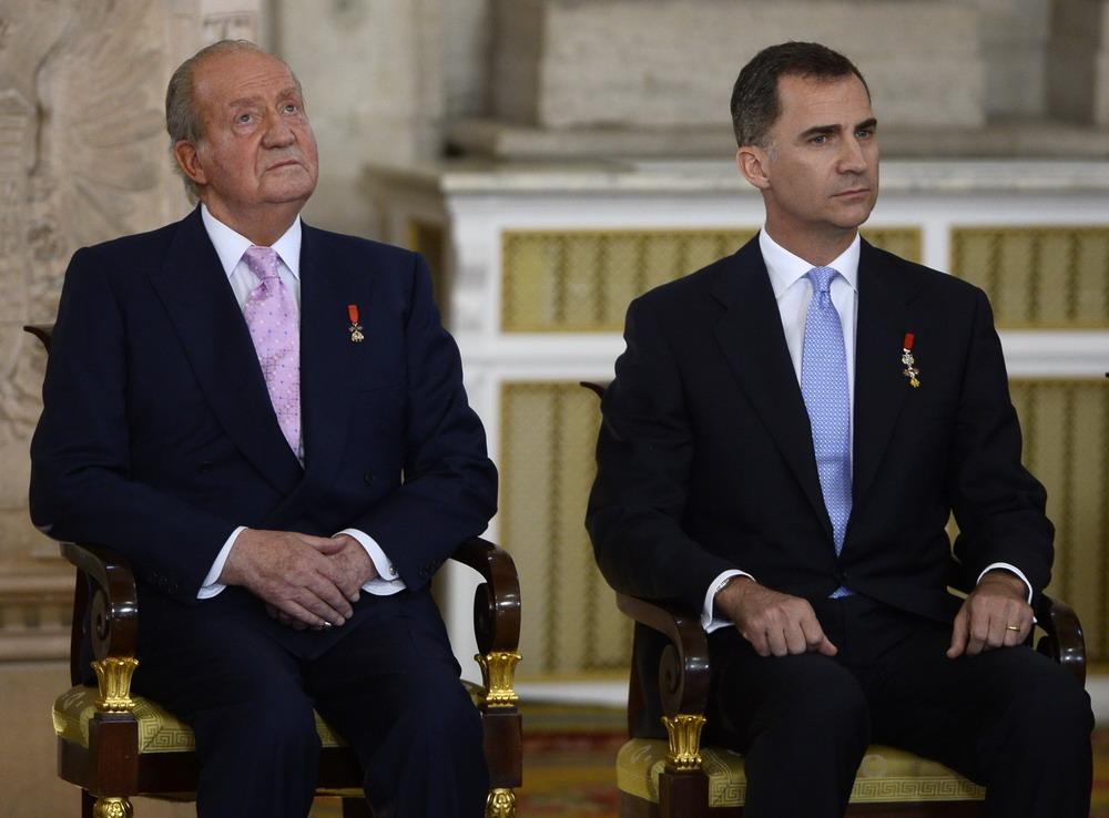 西班牙国王卡洛斯情史_胡安卡洛斯 西班牙_胡安卡洛斯jc桑塔纳