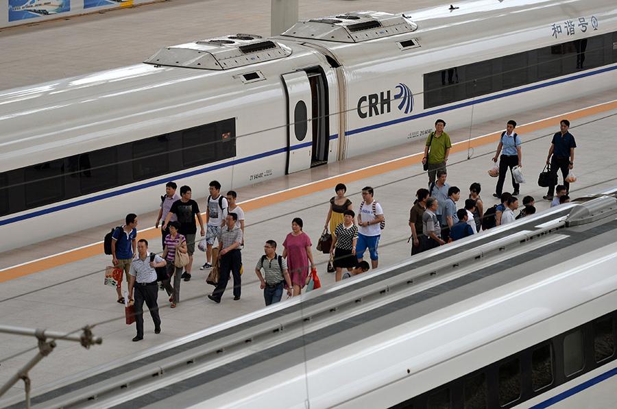 """铁路""""7·1""""大调图 动车成为""""主力军"""" - 人在上海    - 中国新闻画报"""