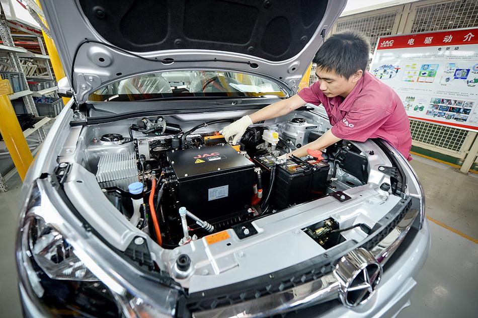 走近新能源汽车生产线