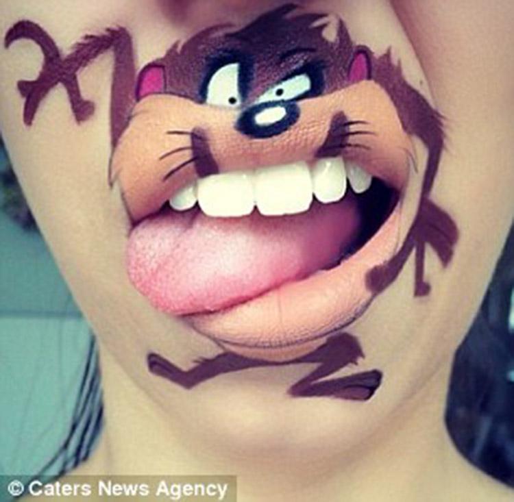天才化妆师下巴上创造出卡通人物【6】