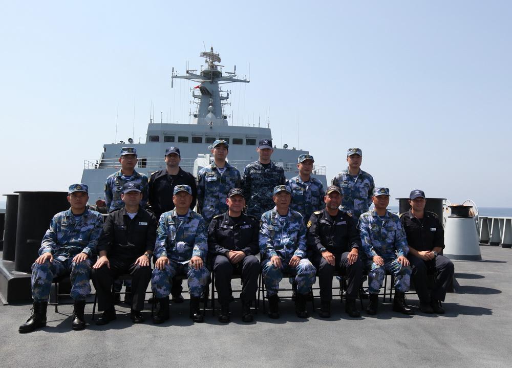 欧盟465编队指挥官访问中国海军第十八批护航编队【2