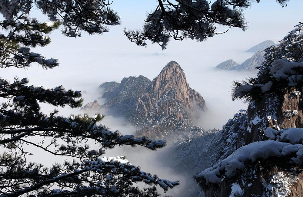 2015年1月15日在黄山风景区拍摄的雪后壮美风景