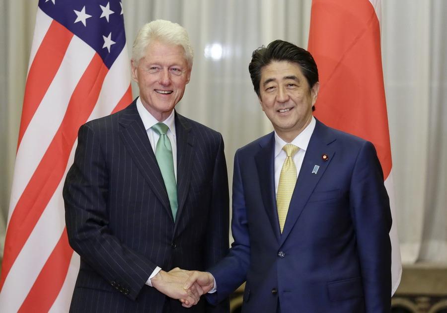 美国前总统克林顿到访日本
