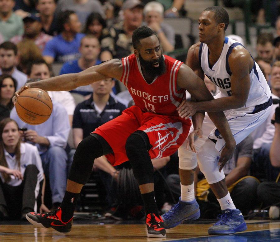 NBA常规赛:火箭胜小牛