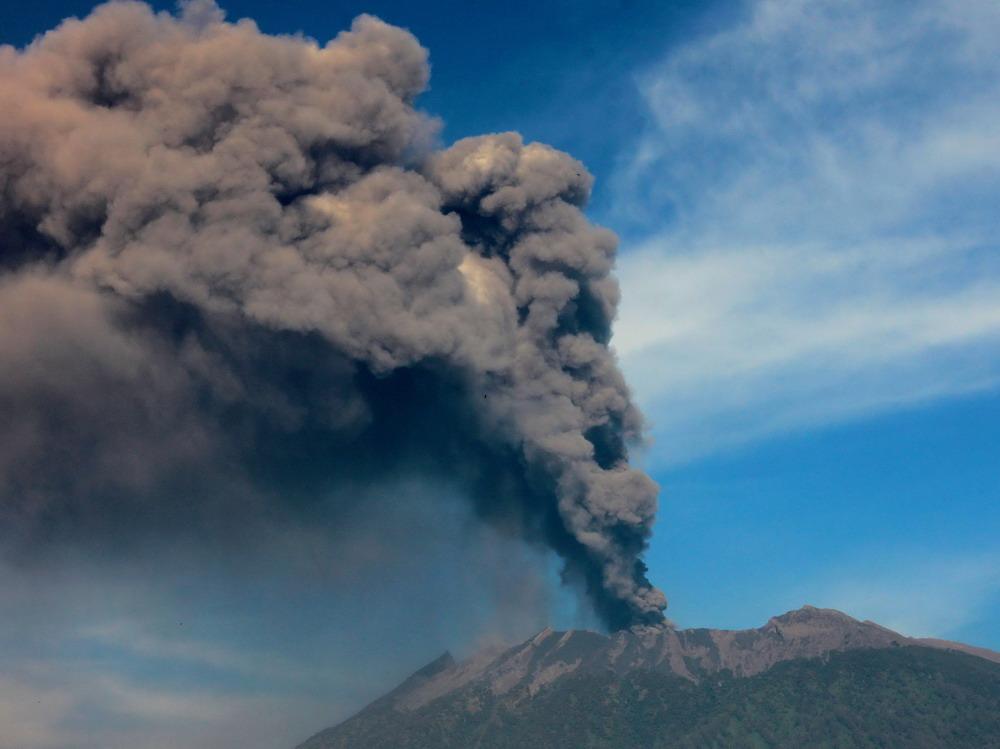 火山喷发导致巴厘岛机场再次关闭