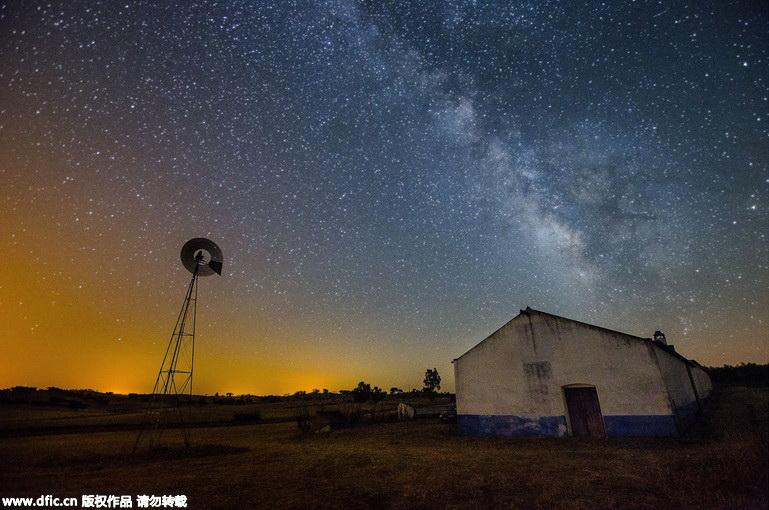 葡萄牙摄影师捕捉璀璨星空壮丽图景