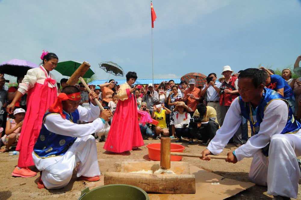 """7月30日是农历六月十五,是朝鲜族传统节日""""流头节"""".黑龙"""