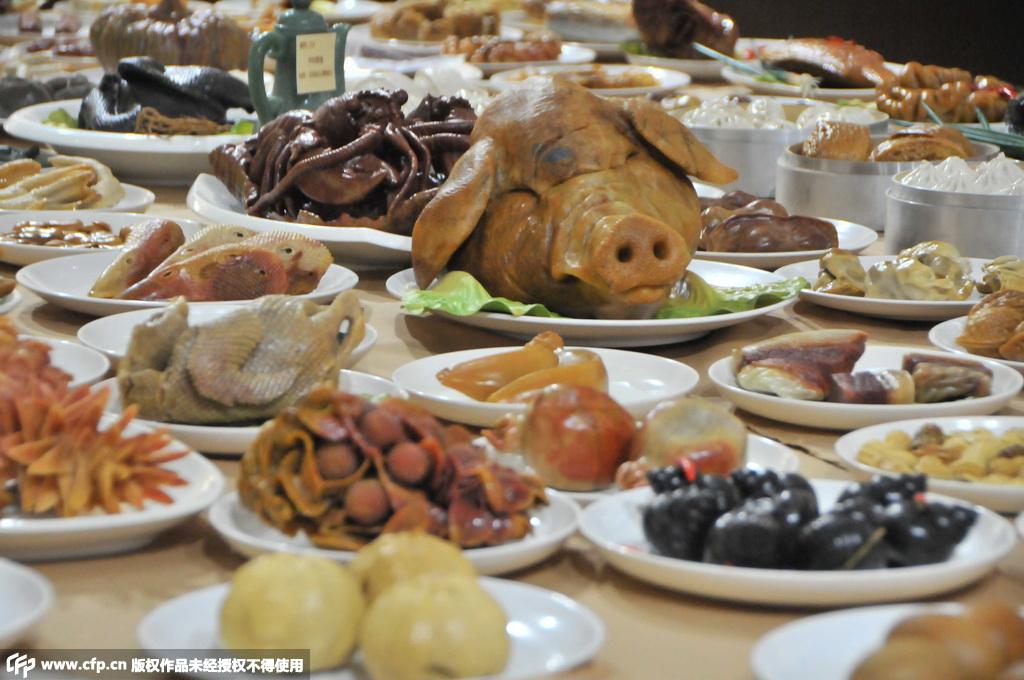 烧猪头肉、小笼包子、清蒸甲鱼、高粱馒头,红烧蹄髈……?-夫妻12