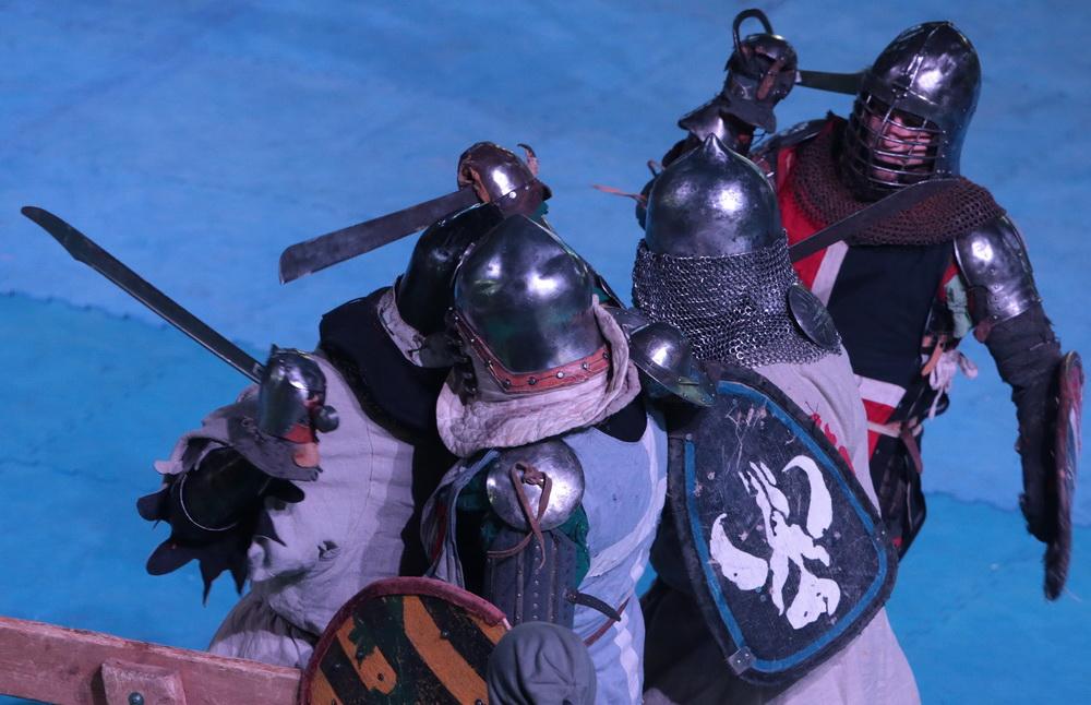 中世纪与中国服饰对比ppt,图片尺寸:1080×810,来自网页:http://www.