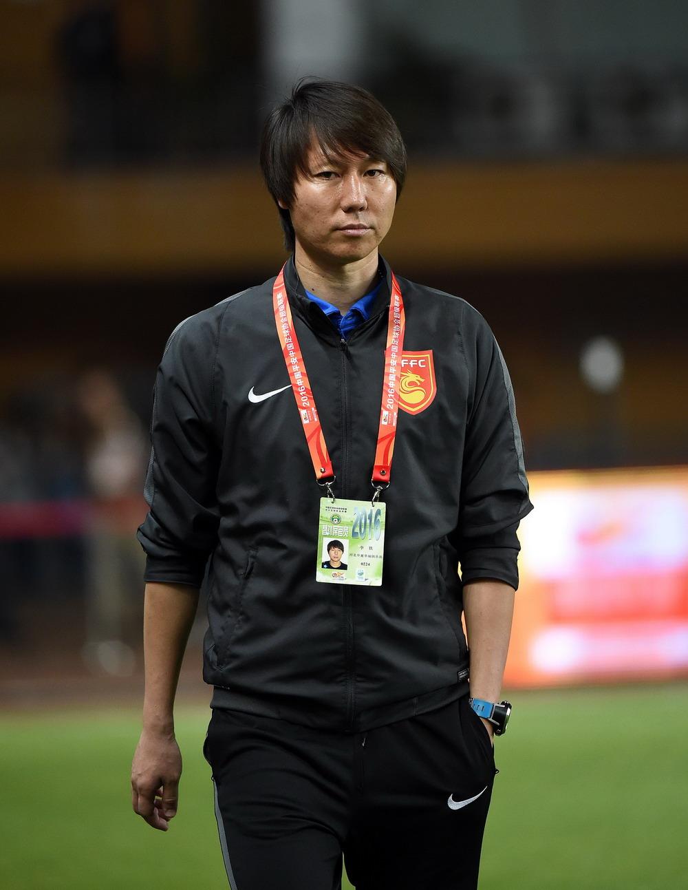 足球--主教练李铁的第一场中超联赛