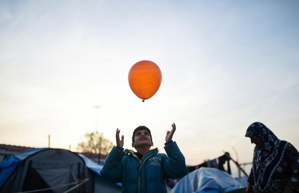 全体会议,推动国际社会就难民问题加强跨国合作和责?-世界难民日