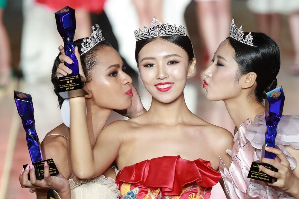 新丝路模特大赛银川落幕 中国佳丽尹娟夺冠