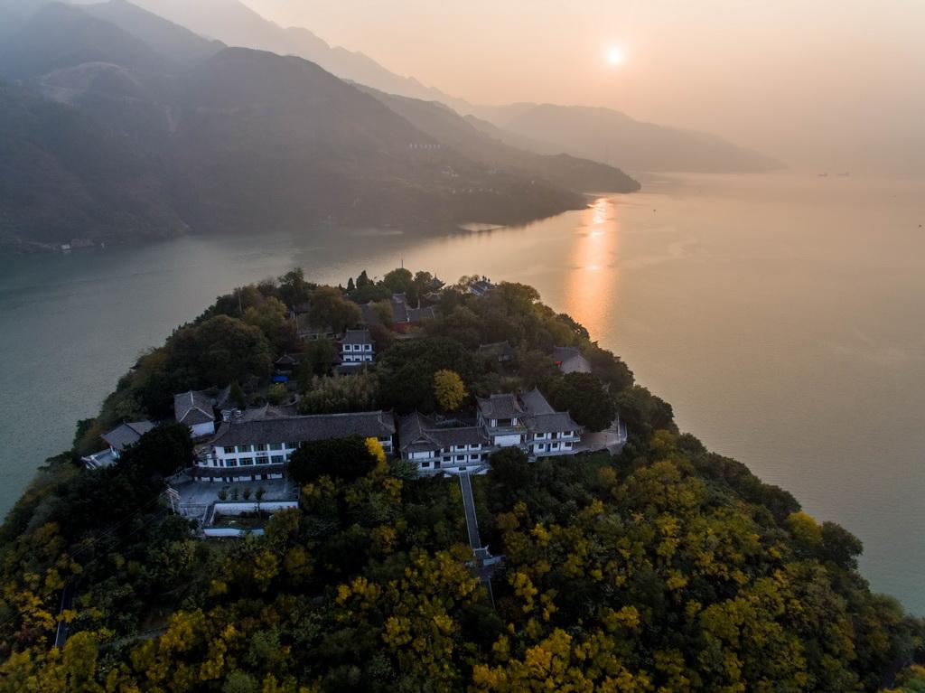 12月8日航拍的白帝城。 新华社记者 刘潺 摄