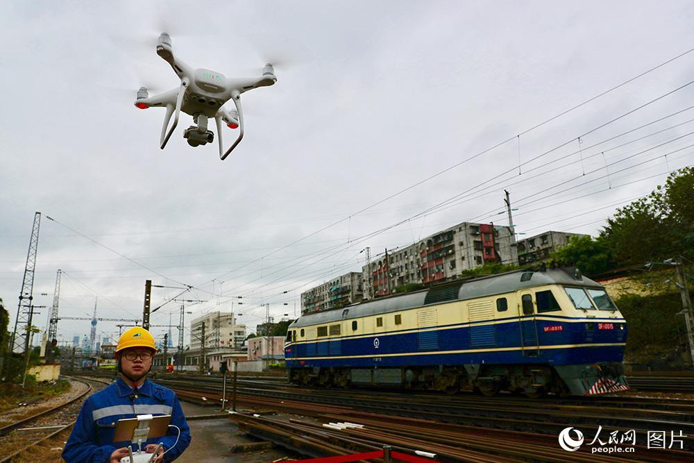 新科技带来春运新体验 广铁集团开启智慧春运新模式