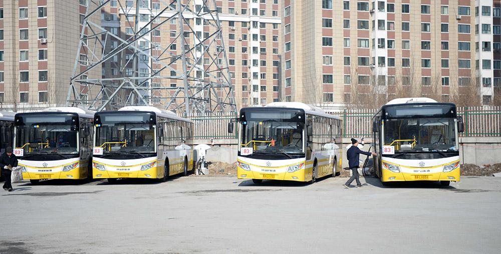 黑龙江哈尔滨市首批88台纯电动公交车自2017年1月1日运行以来,安高清图片