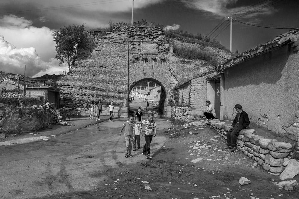 古城堡,于千年风雨中沧桑独立,饱含着一方水土独特的历史文化背