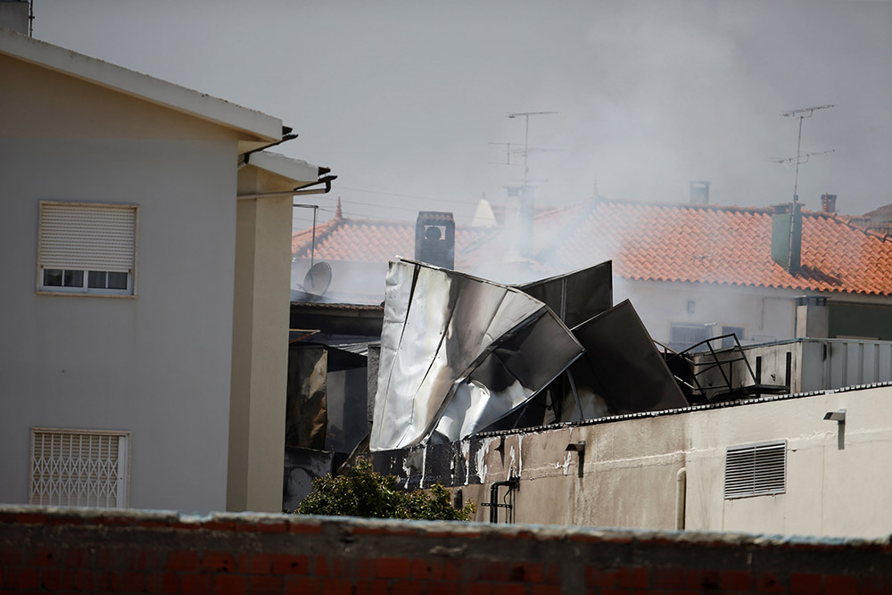 葡萄牙一小型飞机坠毁致5人死亡