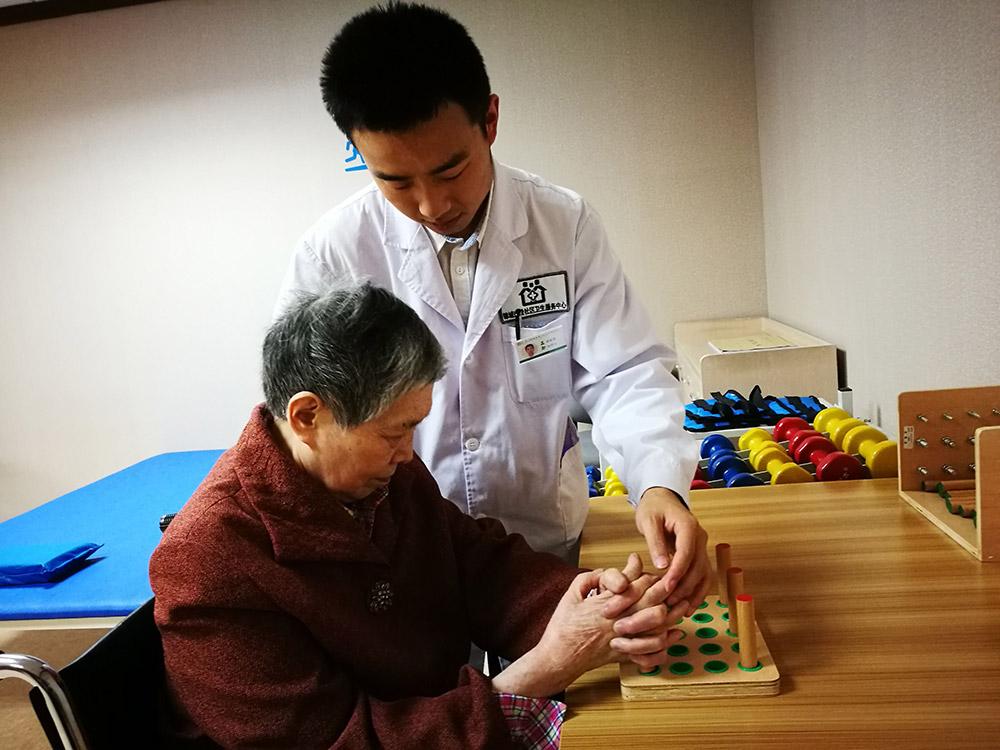 中国现在军衔等级_中国现在老年人口