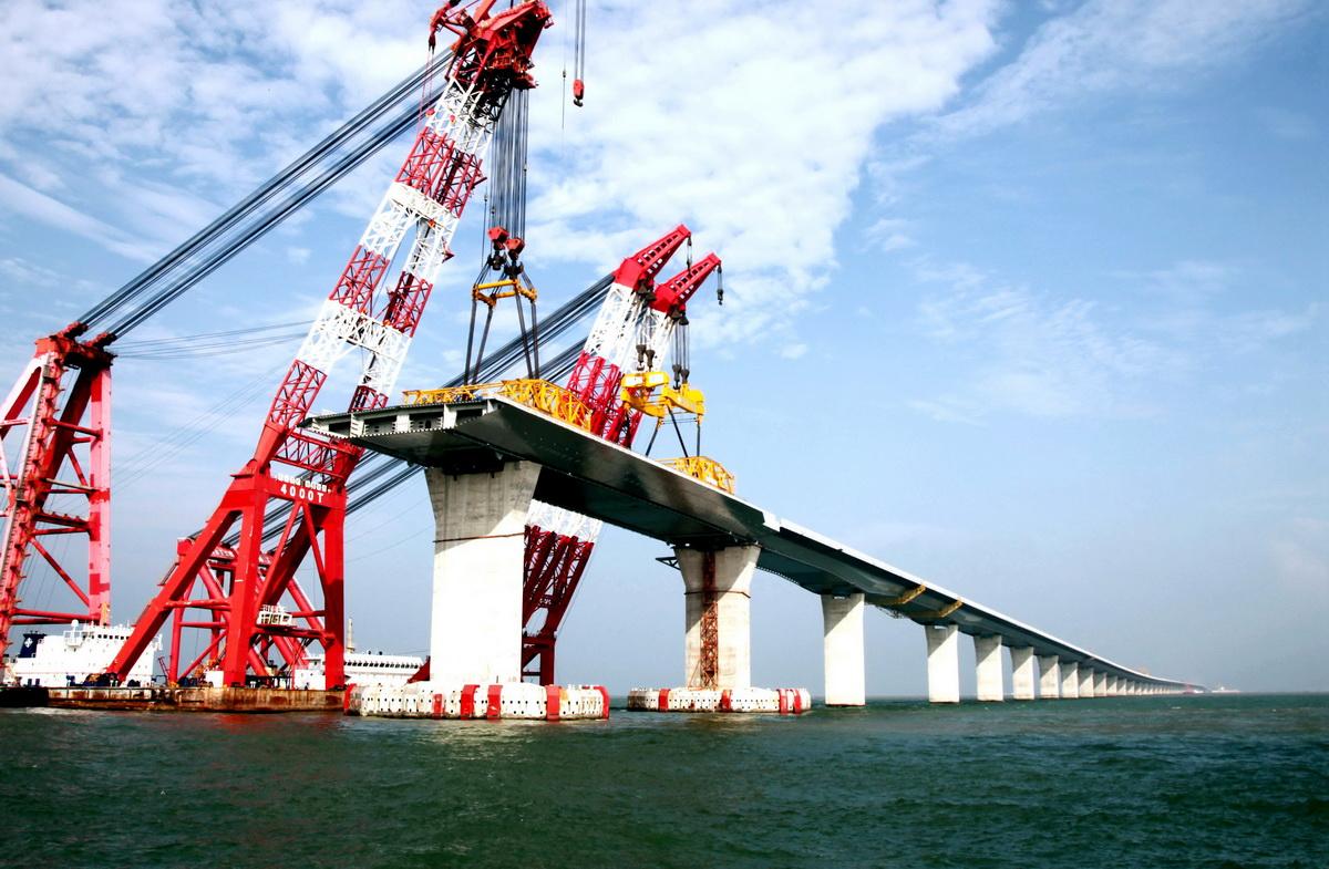 年专题 港珠澳大桥成为香港 澳门 珠海三地经济繁荣的大通道