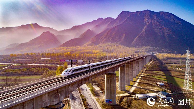 西成高铁全线贯通 西安至成都仅需三个半小时
