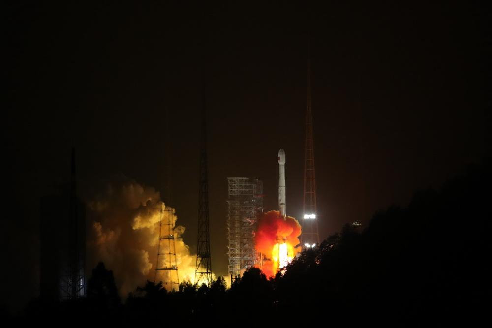 我国成功发射两颗北斗三号组网卫星 新年度北斗高密度发射序幕开启