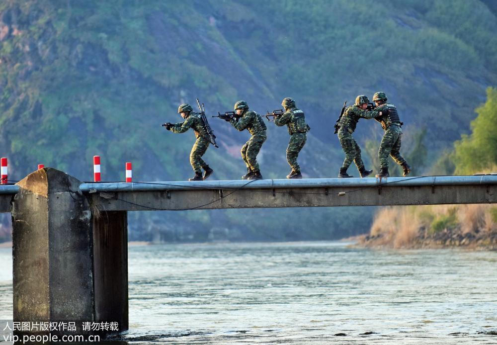 武警鹰潭支队:实战出发摔打磨砺特战队员【2】