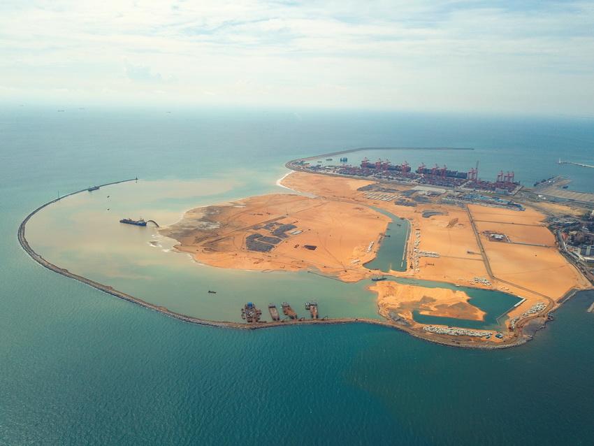 2018年4月19日拍摄的斯里兰卡科伦坡港口城项目全景。 新华社发(中国港湾科伦坡港口城有限责任公司供图)