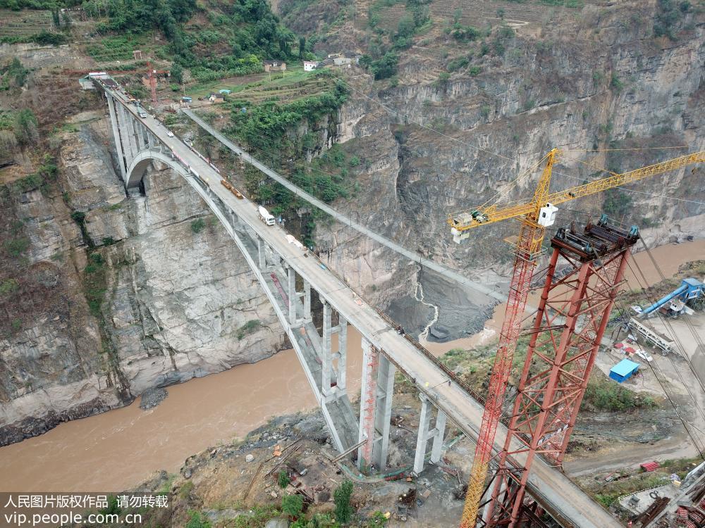 """亚洲第一高溜""""鹦哥溜索改桥主体工程完工"""