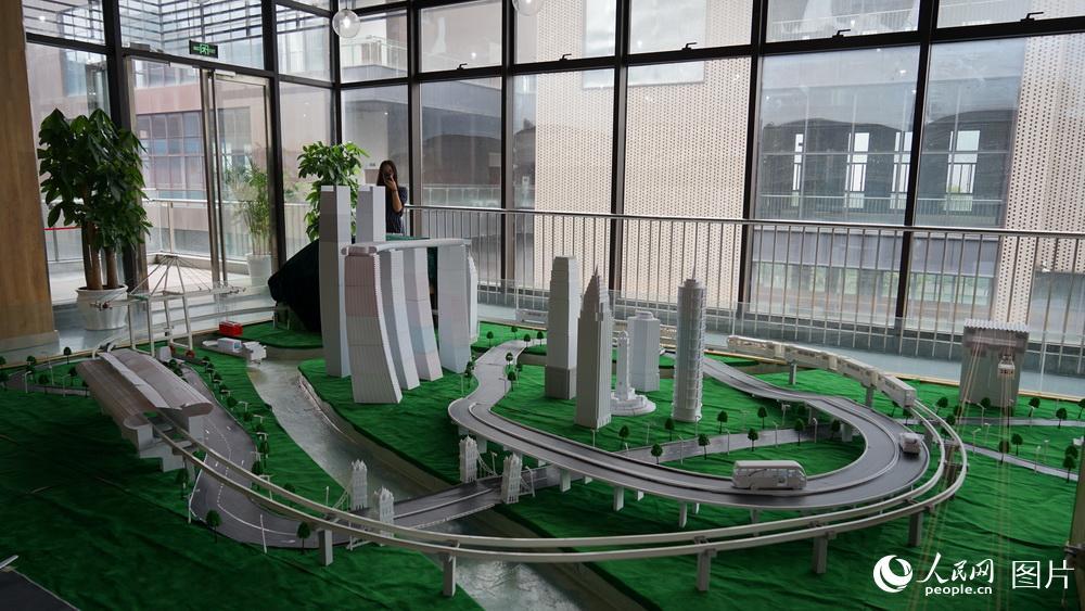 全球首个3D打印智能化城市沙盘亮相九龙坡 将申报吉尼斯世界纪录