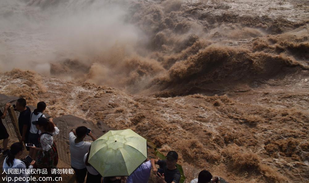 黄河壶口瀑布水量持续增大 气势磅礴