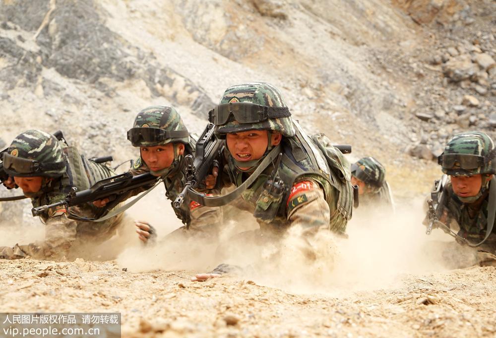 天津武警:特战训练砺精兵