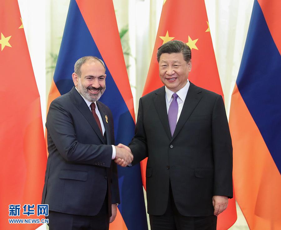 5月14日,国家主席习近平在北京人民大会堂会见来华出席亚洲文明对话大会的亚美尼亚总理帕希尼扬。 新华社记者 姚大伟 摄