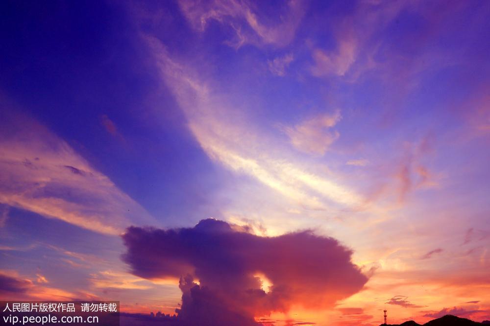 安徽黄山 夏日晚霞绚丽灿烂