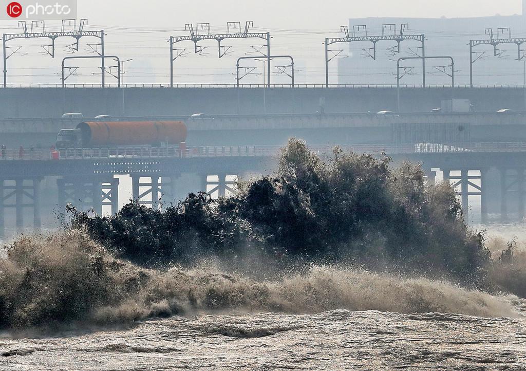 杭州:七月十八 安全观潮