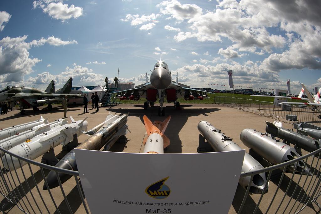 这是8月27日在俄罗斯首都莫斯科郊外的茹科夫斯基拍摄的米格-35战斗机。