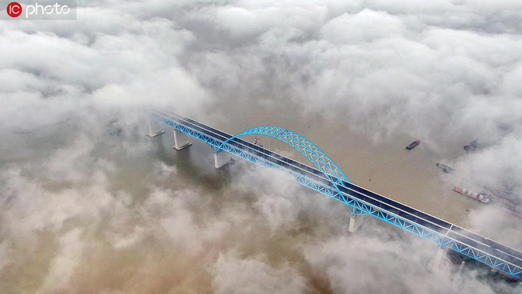 沪通长江大桥主跨即将合龙