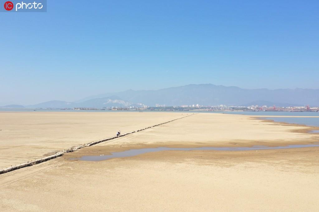江西鄱阳湖水位持续走低 湖底600年古桥露真容【7】
