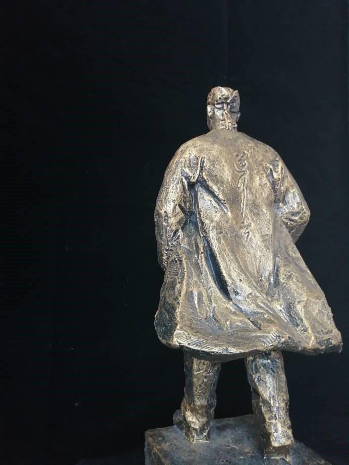 """为""""逆行者""""造像――《逆行者》精神雕塑作品在京首发"""