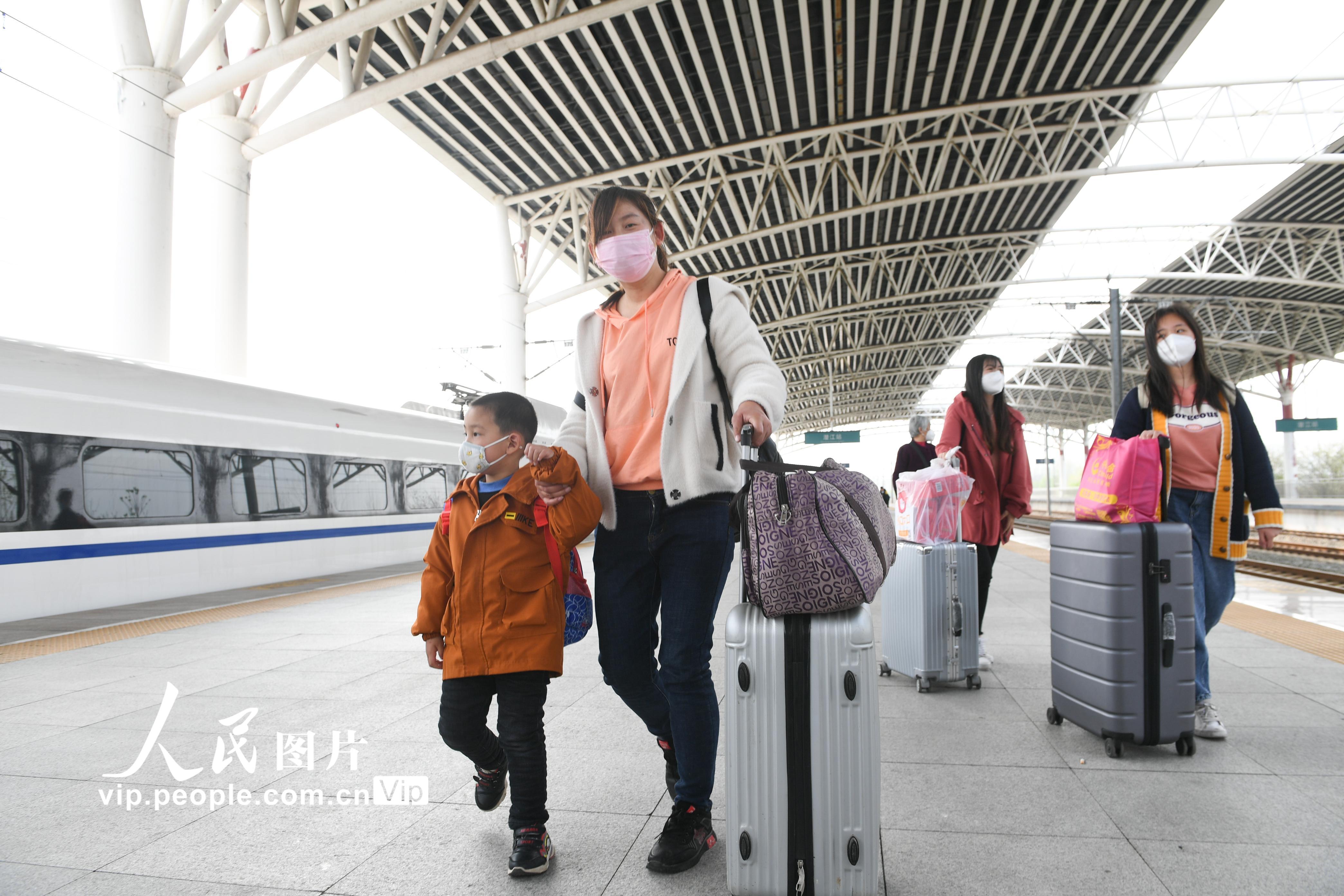 湖北除武汉外铁路客运站恢复运营【3】