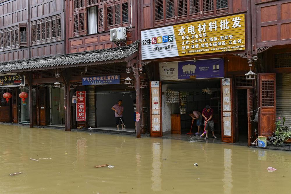 贵州省黔东南教育网_贵州凯里受强降雨影响 下司古镇被洪水浸淹--图片频道--人民网