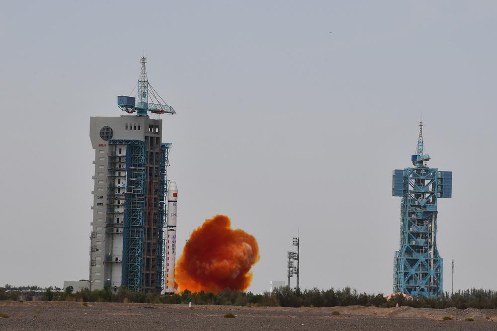 我国成功发射高分九号04星 搭载发射清华科学卫星