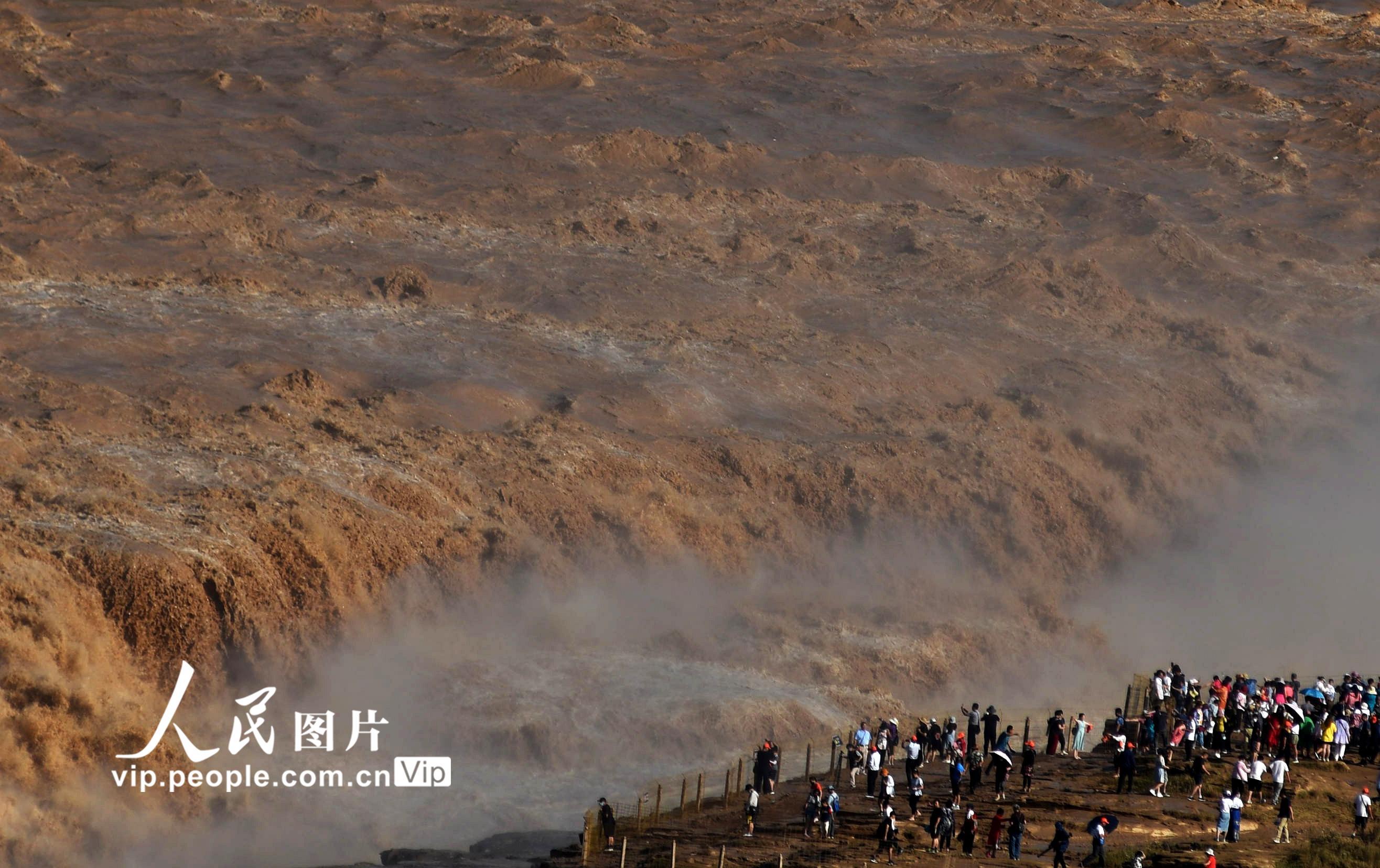 山西吉县:黄河壶口瀑布洪峰过后开放迎客